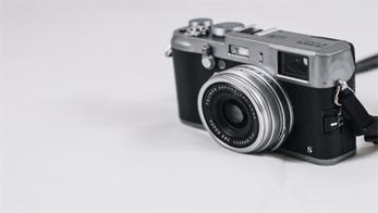 Yuk Mengintip Kehebatan Kamera Mirrorless Paling Kecil di Dunia