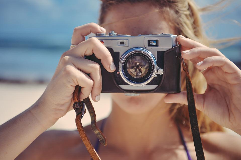Begini Cara Menggunakan Kamera Mirrorless Untuk Pemula