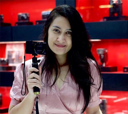 Ms Nafa Urbach