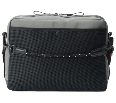 Artisan & Artist ACAM-9200 Camera Shoulder Bag