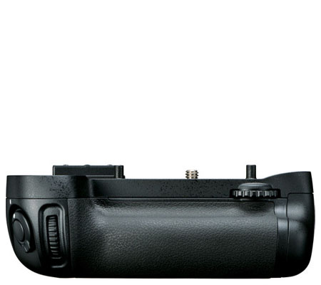 Nikon MB-D15 Battery Grip.
