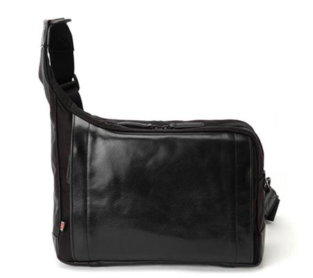 Artisan & Artist RR4-05C Sling Bag Camera Made In Japan