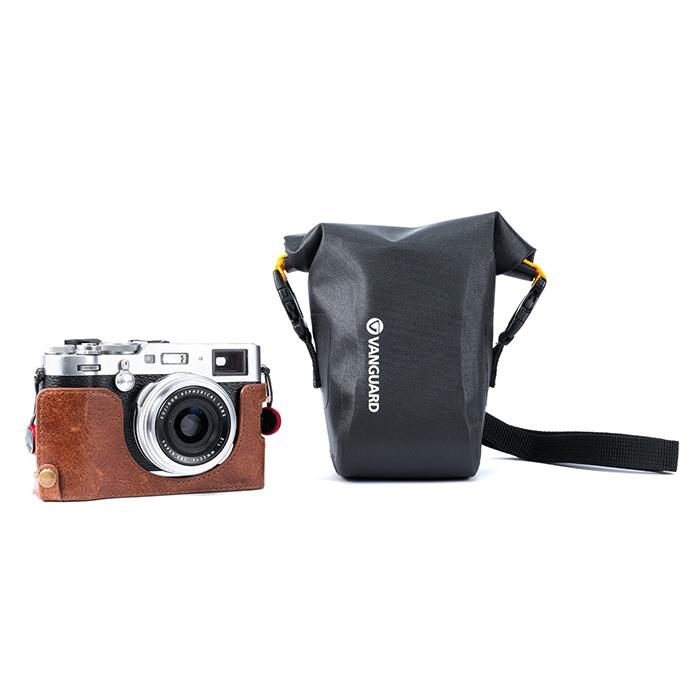 Vanguard Alta WPL Water Resistant Camera Bag