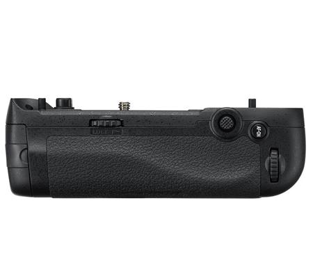 Nikon MB-D17 Battery Grip