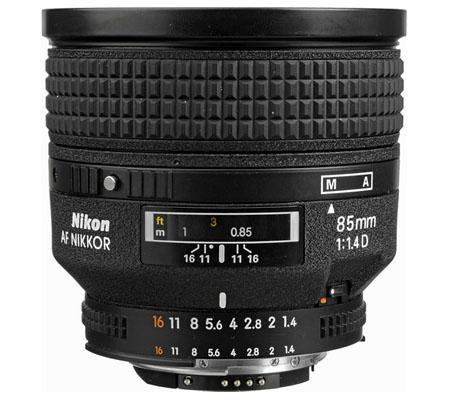 Nikon AF 85mm f/1.4D IF.