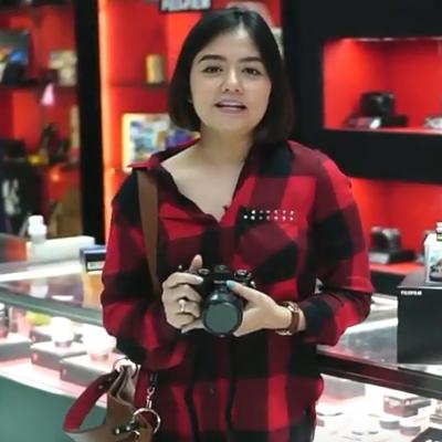Ms. Tika Ramlan (Singer)
